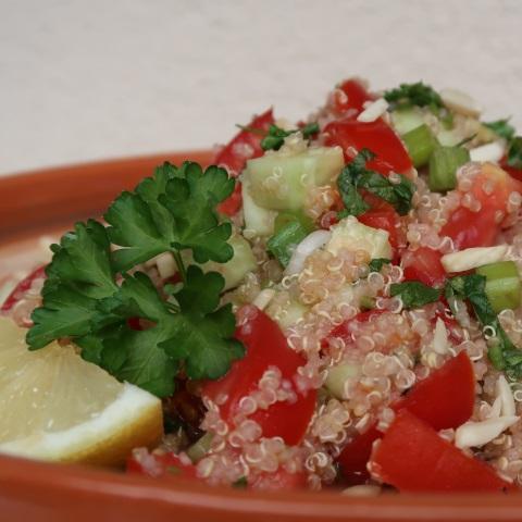 Kvinojina Tabbouleh solata